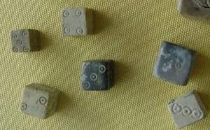 De mens gokt al sinds de oudheid, zoals deze oude Romeinse dobbelstenen bewijzen