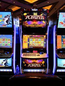 In gokhallen lopen spelers meer risico dan bij online casino spellen
