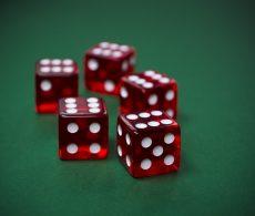 Rocket 7 versus Craps in fysieke en online casino's